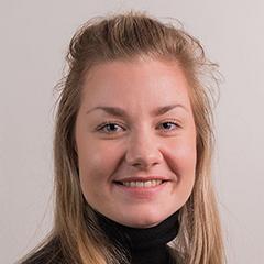 Astrid smiler